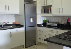 Kitchen / Microwave