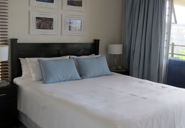 Main bedroom - Queen bed