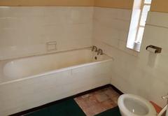 Double Bedroom - (Bath)