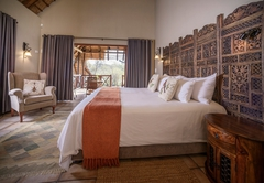 Luxury Bush Chalet King / Twin