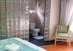 Room 7 - Sandstone
