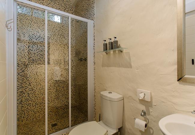 Bluegum Bathroom