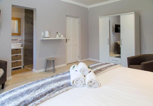 Aloe One-Bedroom Suite