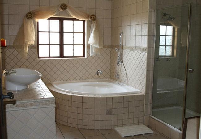 Deluxe luxury suite - bathroom