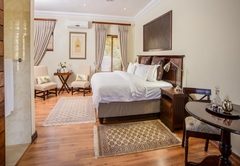 Presidential Self-Catering (River House)