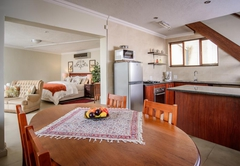 Superior Self-Catering Prothorus/Gardini