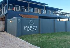 Le Bezz Guesthouse