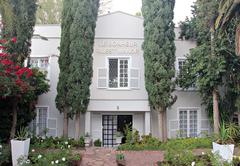 Le Bonheur Guest Manor