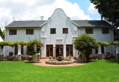 Le Chateau Guesthouse