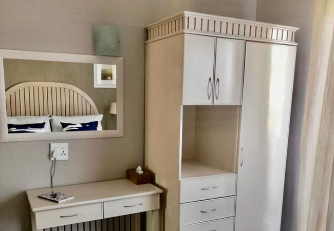 1bed dresser and cupboard