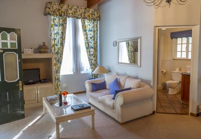 2. Garden Manor House Suite