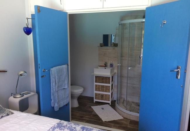 The Blue room ensuite