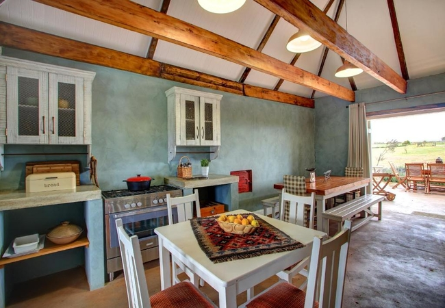 The Farmhouse (Sleeps 6 adults and 4 children)