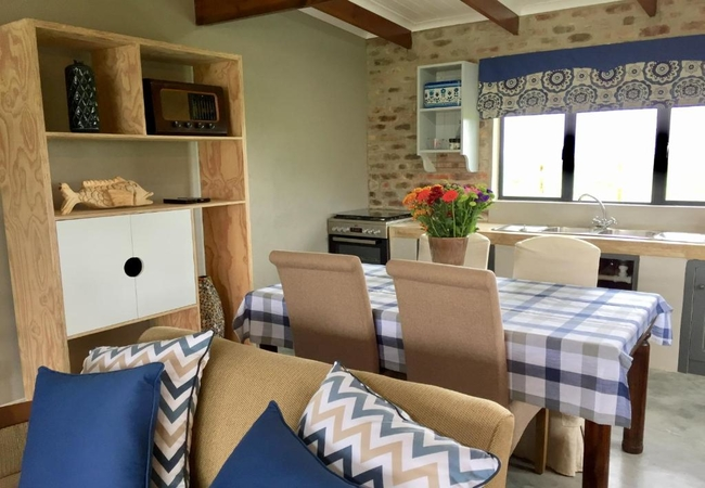 Ayrshire Cottage (Sleeps 4 adults and 2 children)
