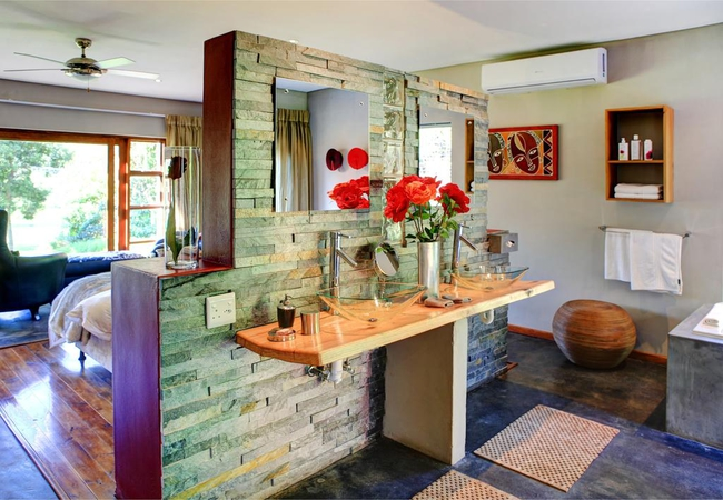 Bathroom Honeymoon Suite