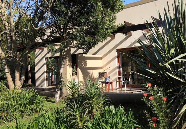 Patio Lux. Garden Rooms