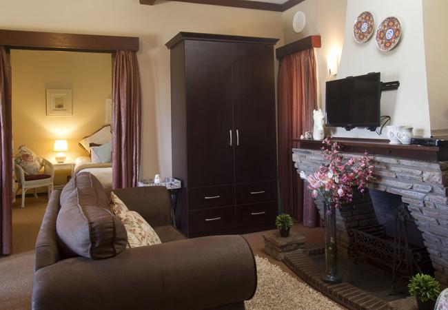 Eleanore Suite lounge