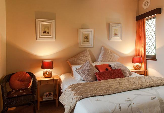 Eleanore Suite bedroom