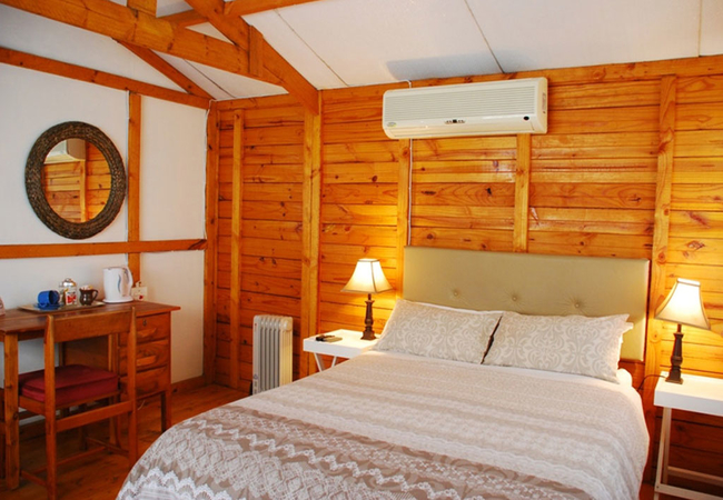 Visarend Wood Cabin