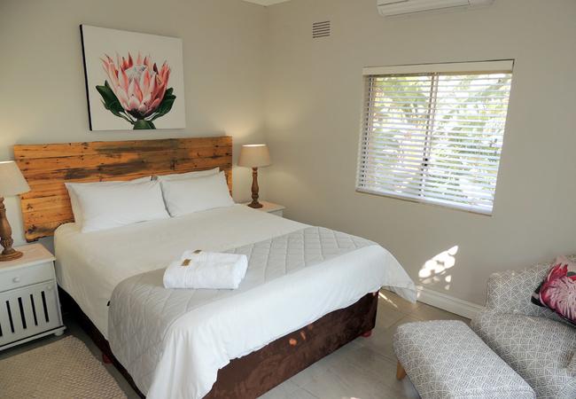 3 Bedroom Apartment - Sea View Top Floor