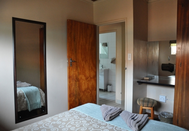 2 Bedroom Chalet - Main Bedroom