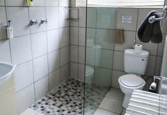 1 Bedroom Chalet - Kitchen & lounge