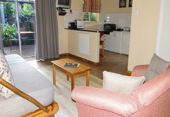 1 Bedroom Chalet - Lounge & kitchen