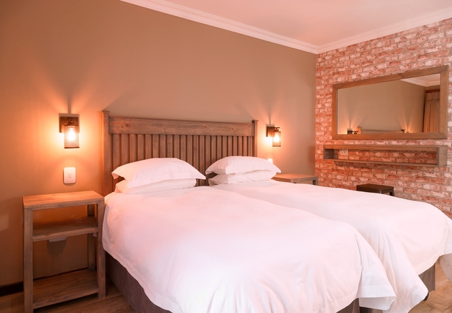 Courtyard Room Twin Bed