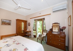 Lupus Den Country House