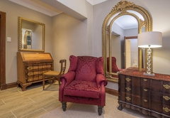 Madison Manor Boutique Hotel