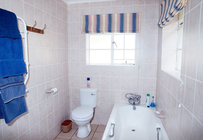 Sunshine bathroom