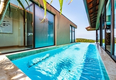 See the pool from inside