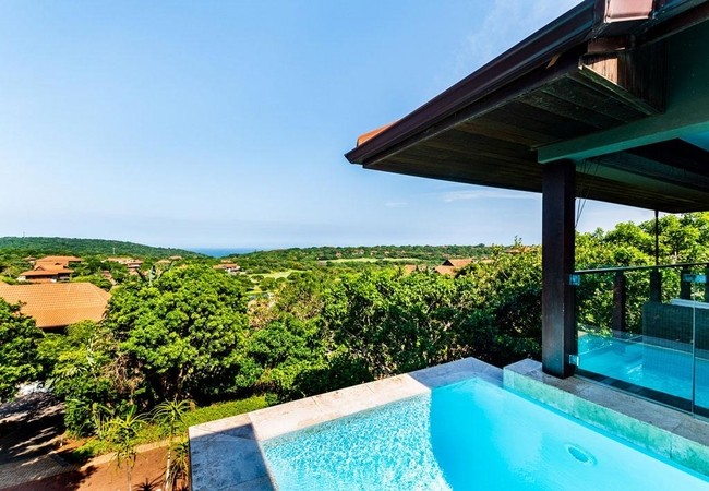 Pool with a sea view