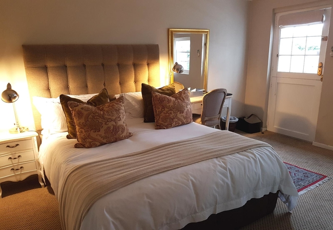 Superior Twin room with garden patio