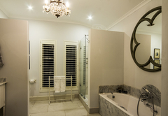 Luxury Suite Room 1