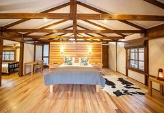 Makakatana Bay Lodge