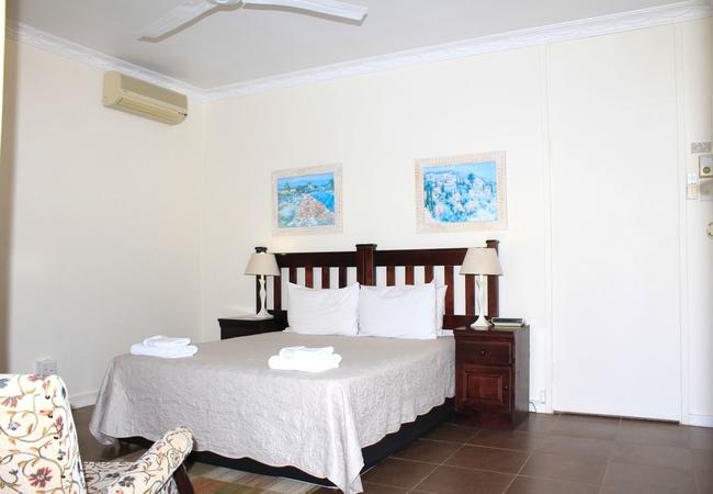 Room 5: Twin Room