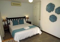 Room 6: Queen Bed Room