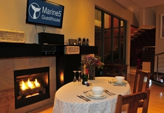 Marine 5 Guesthouse