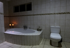 Marjaniek Guesthouse and Game Lodge