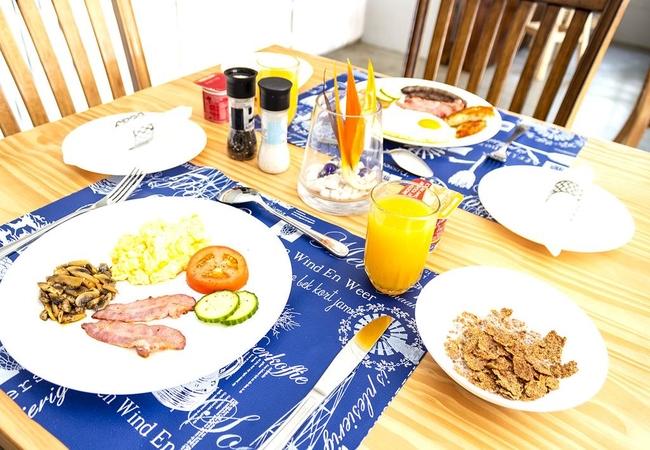 Breakfast at Marlin Lodge