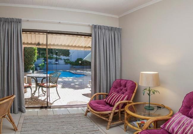 Superior Garden / Pool Suites 3