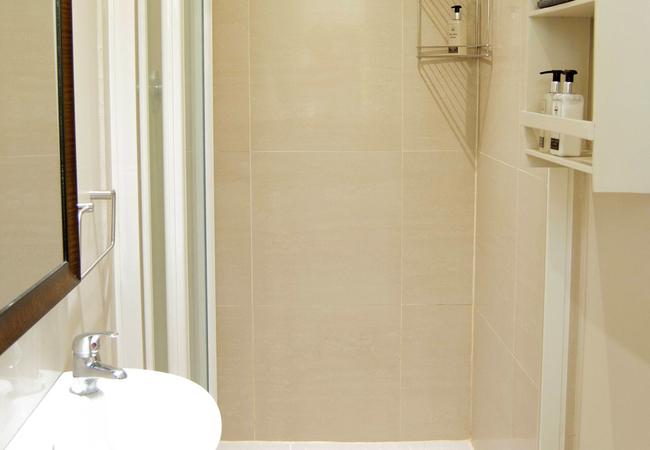 Paddock Bathroom