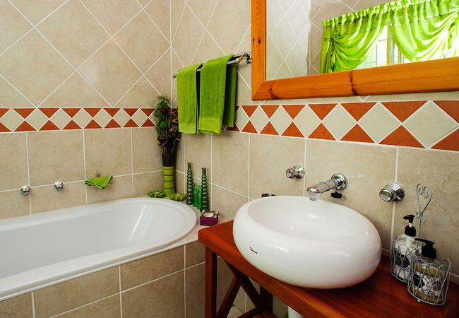 Luxury Suite Bathroom