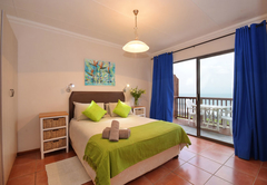 Four Sleeper Sea Facing Unit (Self Catering)