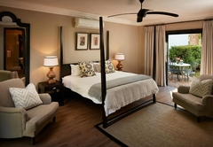 River Manor Executive Suite