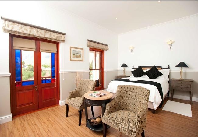 Luxury Queen Bed Garden Rooms