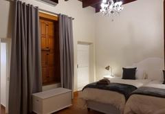 Double Room 06