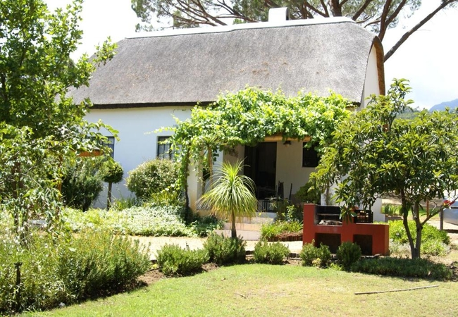 Thatched Cottage (4 Sleeper)
