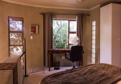 Executive Cottage 4